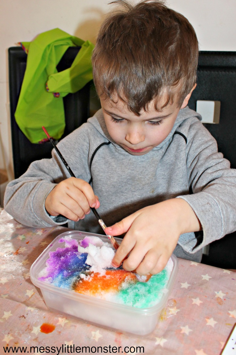See how to paint on snow with our easy DIY snow paint recipe. Painting on snow is fun winter process art activity for kids to do indoors or outdoors. This fun snow day idea is great for toddlers and preschoolers.