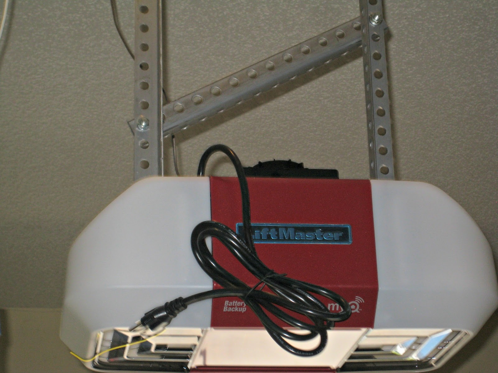 The Art Of Random Willy Nillyness 8550 Liftmaster Garage