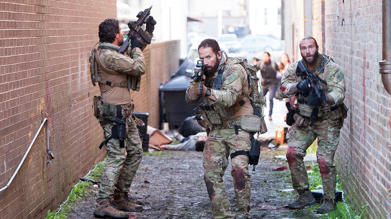 MONDO BIZARRO: Holiday Thrills: Navy Seals vs Zombies