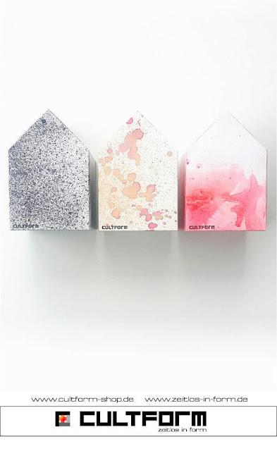 Die Hausbox von Cultform. Ein eindrucksvolles und doch einfaches DIY: kleine Geschenke individuell modern verpacken im aktuellen Watercolor-Trend: drei Hausboxen Schwarz, Orange, Rot