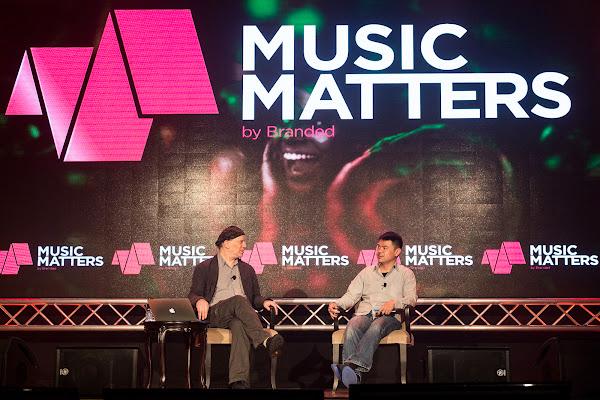 KKBOX執行長林冠群與Billboard雜誌東京負責人Rob Schwartz對談。20150522。典選音樂提供。