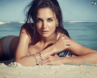 Katie Holmes Hot Beach Wallpaper