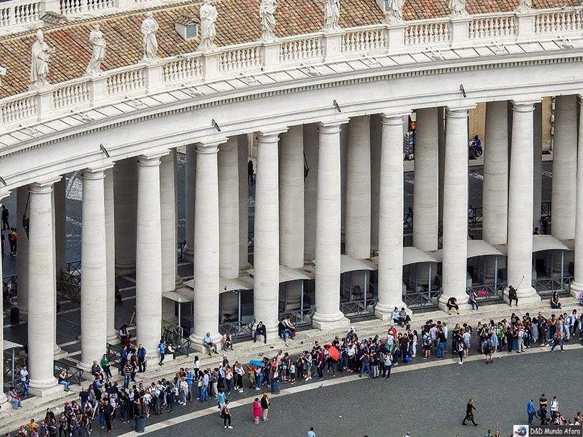 Fila para entrar na Basílica São Pedro - Diário de Bordo: 3 dias em Roma