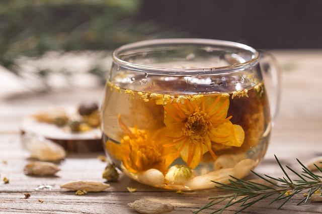 El jazmín tiene propiedades anestésicas y calmantes, además de eliminar la acidez causada por estrés