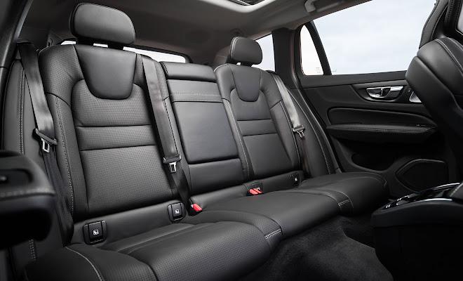 Volvo V60 rear cabin