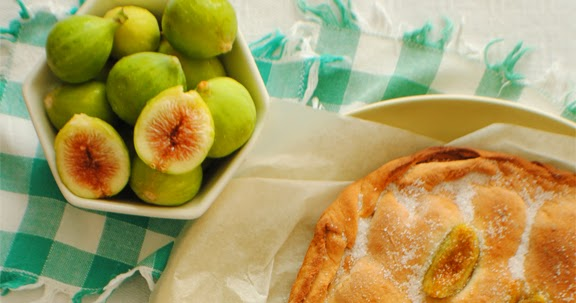 Schiacciata Dolce con Fichi Caramellati - Sweet Schiacciata with Caramelized Figs - Schiacciata Douce avec Figues Caramélisées