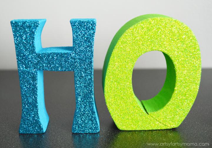 Ho Ho Ho Word Set Tutorial at artsyfartsymama.com
