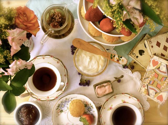 Quy tắc thưởng trà kiểu Anh