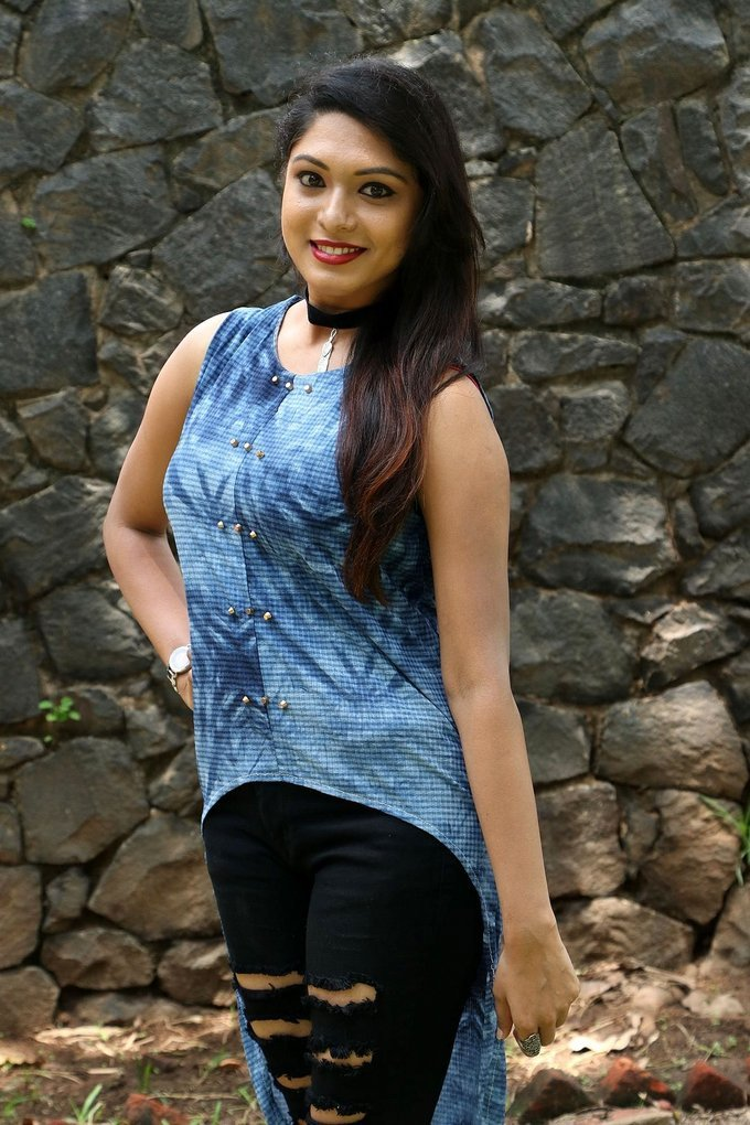 Actress Akshatha Sridhar at Theru Naaigal Movie Team Meet Stills