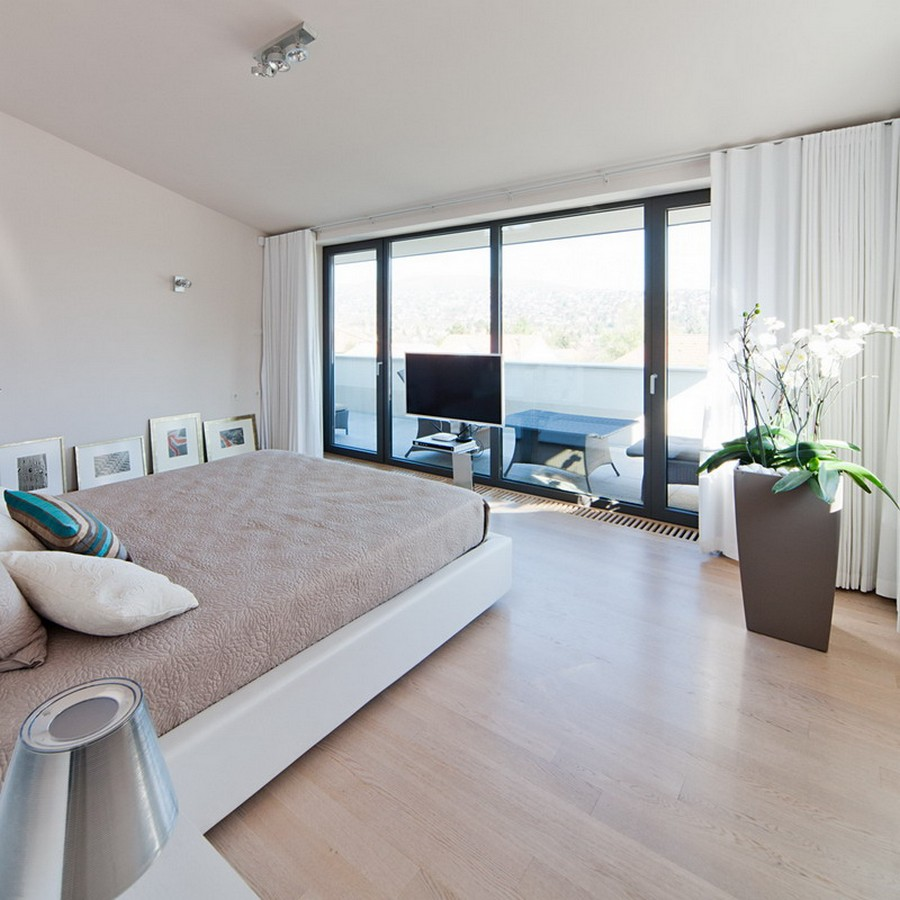 Beautiful Bedroom Decpration At The