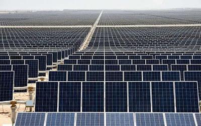 El parc solar més gran d'Amèrica Llatina transforma el desert mexicà