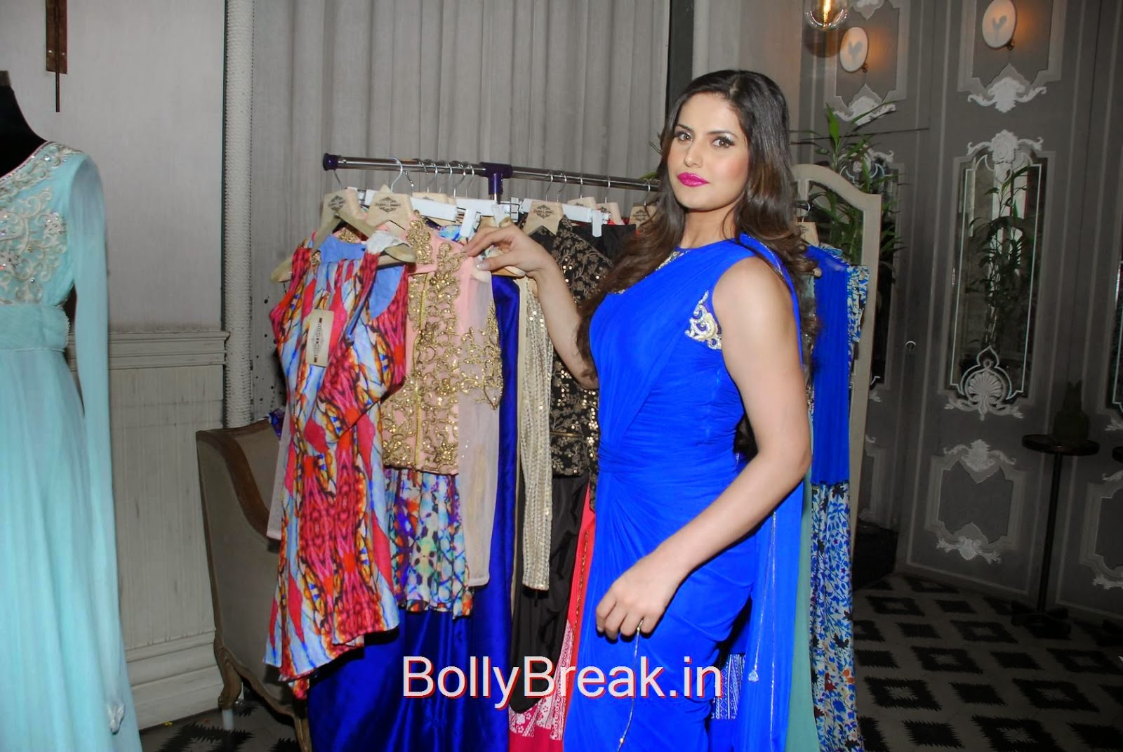Zarine Khan images, Hot HD Images Of Zarine Khan in Blue saree from Zulekhans Collection Launch