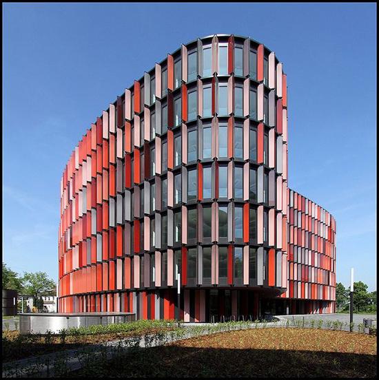 berbagi fasade unik bangunan
