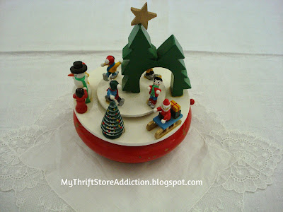 A Little Christmas Ladder and a Dear Gift mythriftstoreaddiction.blogspot.com Friday's Find: Vintage Christmas