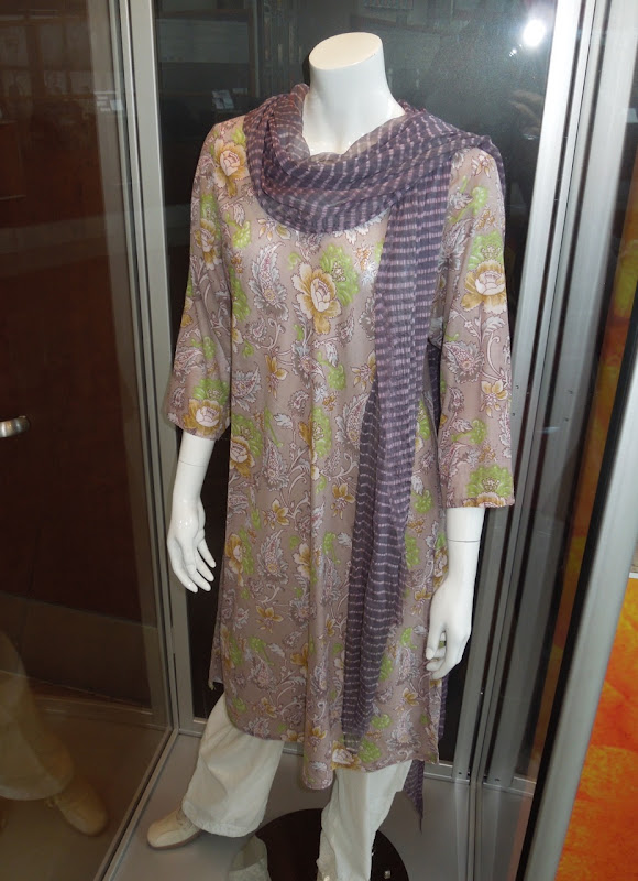 Judi Dench outfit Best Exotic Marigold Hotel