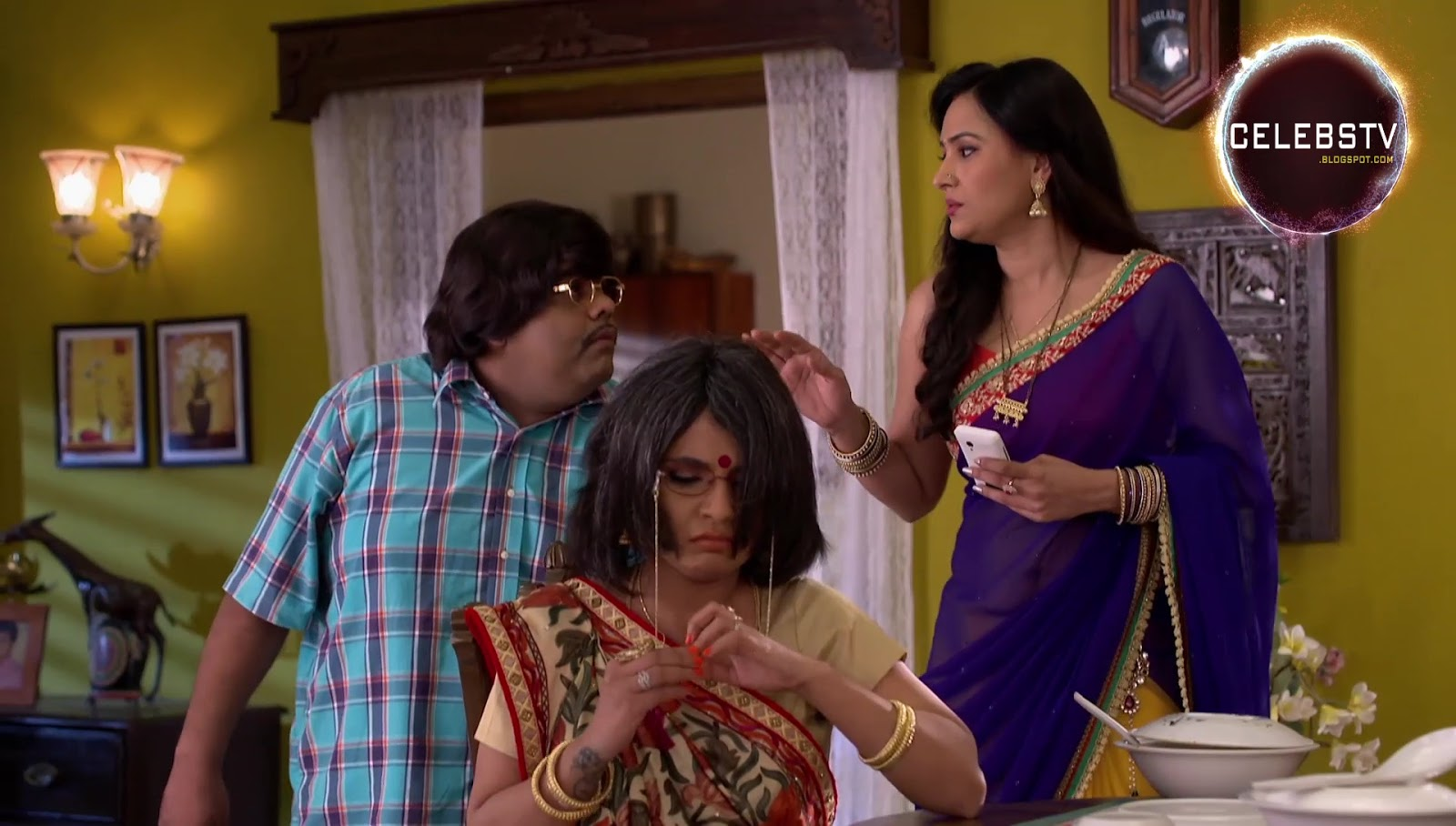 TV Serial Actress Sapna Sikarwar Navel Show in Sari - Sexy Celebs ...