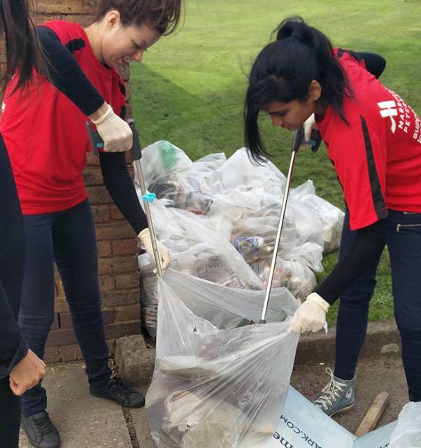 Marriott litter pick team