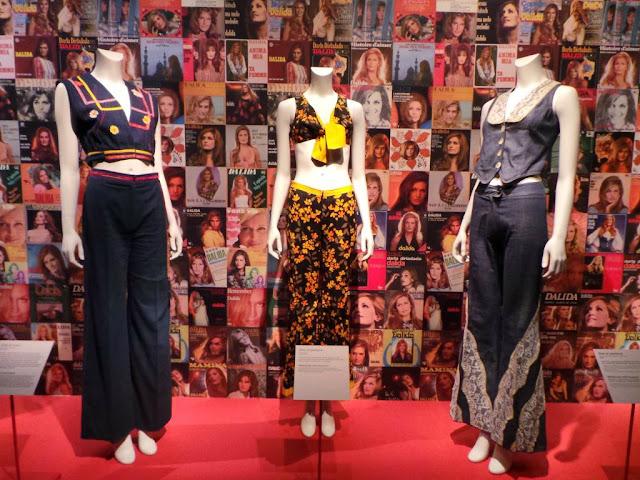 Exposition Dalida garde-robe mode tenues de scène Palais Galliera musée Paris