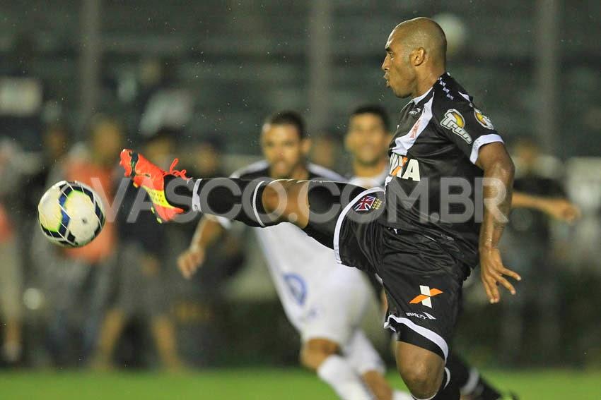 d7bf9ecbedc0e Reginaldo sofreu o pênalti que resultou no gol da classificação