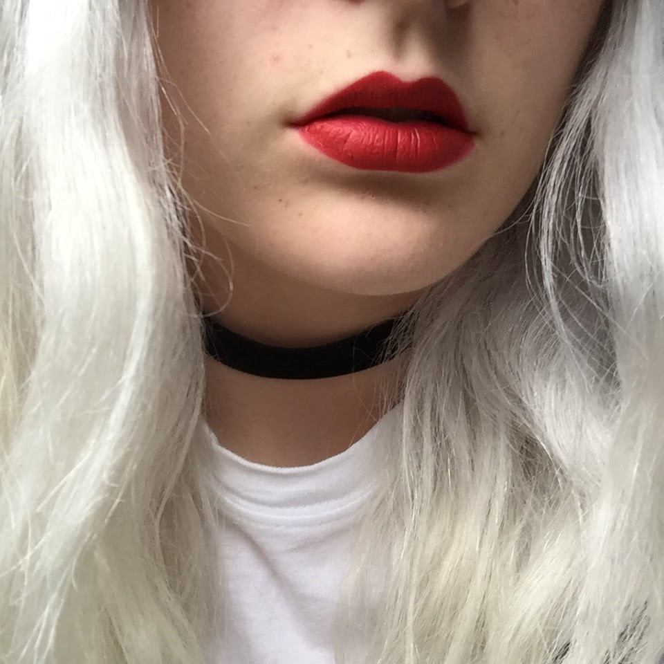 MAC Russian Red and cherry lip liner
