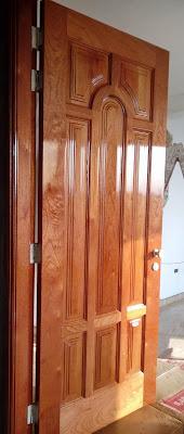 Puerta de madera para exteriores en Lima