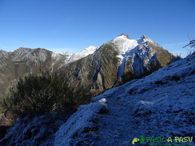 Pico Torres bajando al Fielato