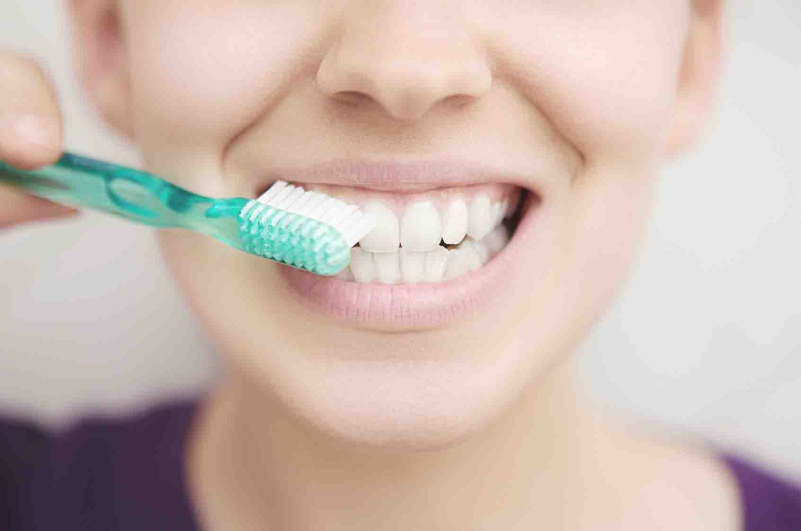 Coba 5 Cara Ini Agar Gigi Anda Putih Alami Dan Permanent Sekitar Kita