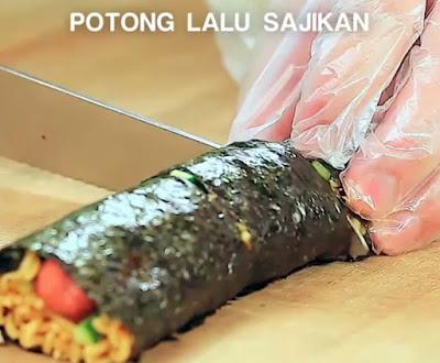 Cara Memotong Sushi Mie