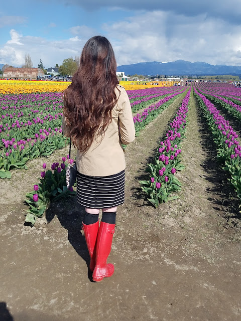 outfit ideas for Spring with Red Hunter boots