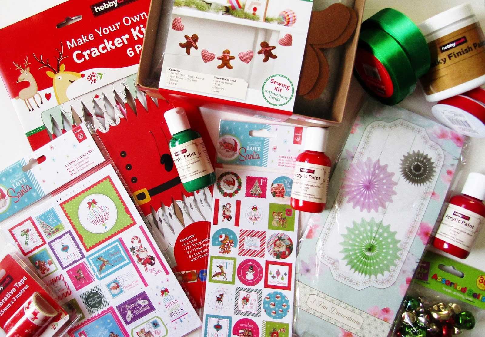 Christmas things haul 2017 polka spots and freckle dots and even treated myself to the cutest reindeer bedding from asda well just see for yourself santa and reindeer christmas cracker kit solutioingenieria Images