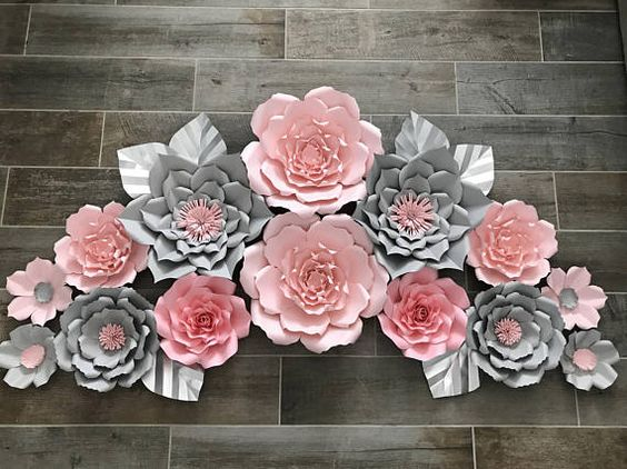 hoa giay trang tri ban tho gia tien