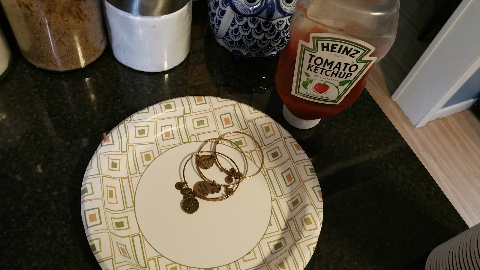 Here Is All You Need A Paper Plate Ketchup And Your Bracelets