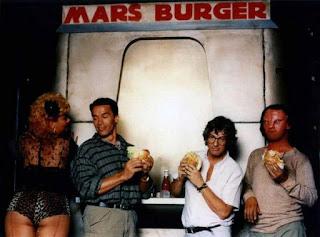 Schwarzenegger durante el rodaje de Desafío Total