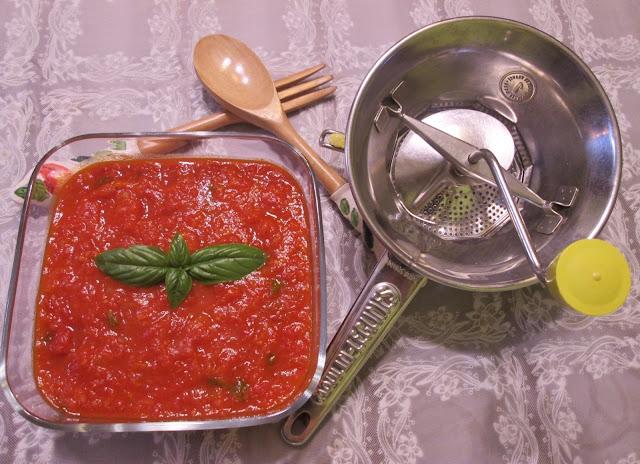 molho de tomate caseiro ja pronto e passa verduras