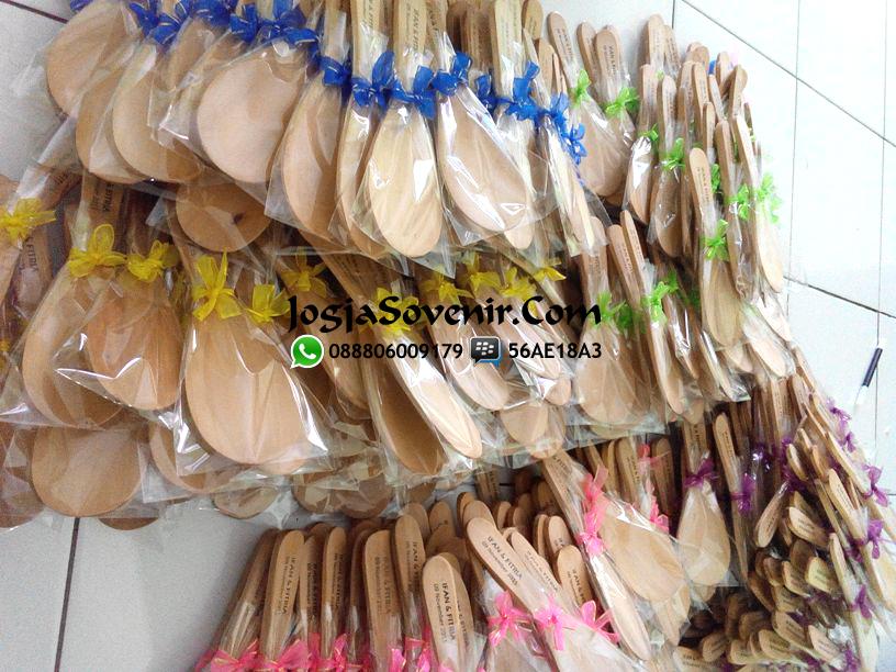 Jual Souvenir Centong kayu 2000an