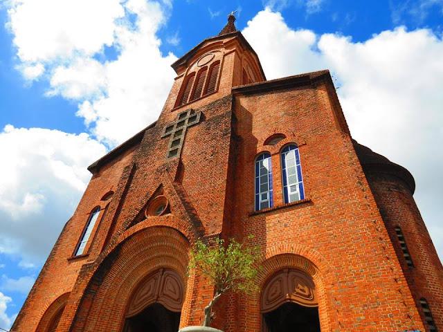 Arcebispo cria a Paróquia Santa Isabel Rainha de Portugal e transfere a Paróquia Nossa Senhora dos Prazeres para Maranguape II