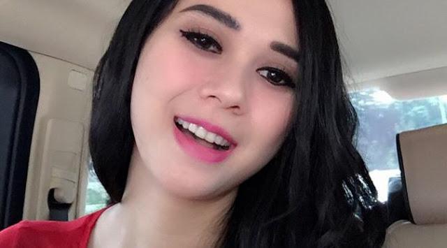 Trik Make Up Sederhana yang Penting Bagi Wanita