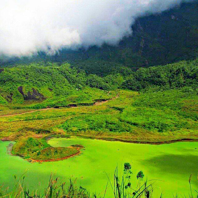foto kawah gunung galunggung