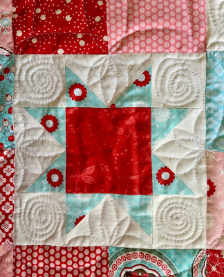 #machinequiltingmonday fmq free motion freemotion abri quilt orange peel spiral continuous curve flower