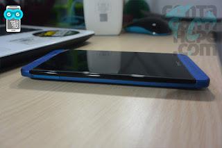 HTC One E8 - bagian kiri