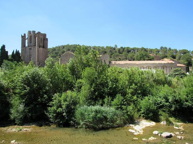 Abadía de Lagrasse. Ruta por el País de los Cátaros. Francia