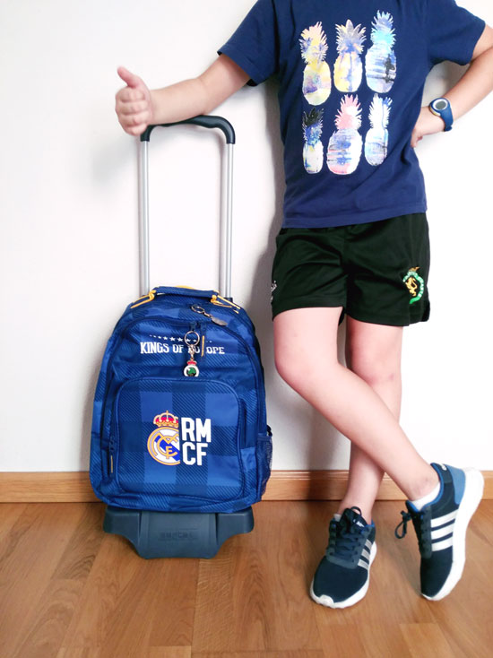 mochila-escolar-real-madrid-cole