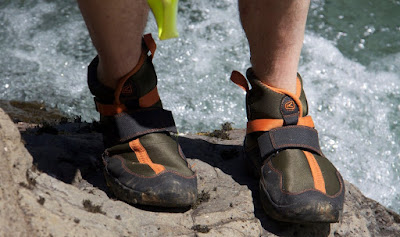An Ultimate Buyer Guide To Choose The Best Water Shoes