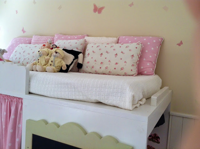 Dormitorio infantil doble niñas rosa Laura Ashley y Taller Ambart