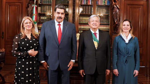 Maduro llegó tarde, a escondidas, comió en Palacio Nacional y se fue...