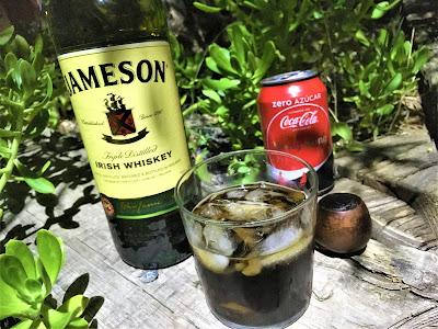 Jameson Irish Whiskey con Coca-Cola Zero - Esas tertulias con los amigos, en una casa rural, después de una barbacoa para rematar el verano - El troblogdita - el gastrónomo - ÁlvaroGP -  SEO