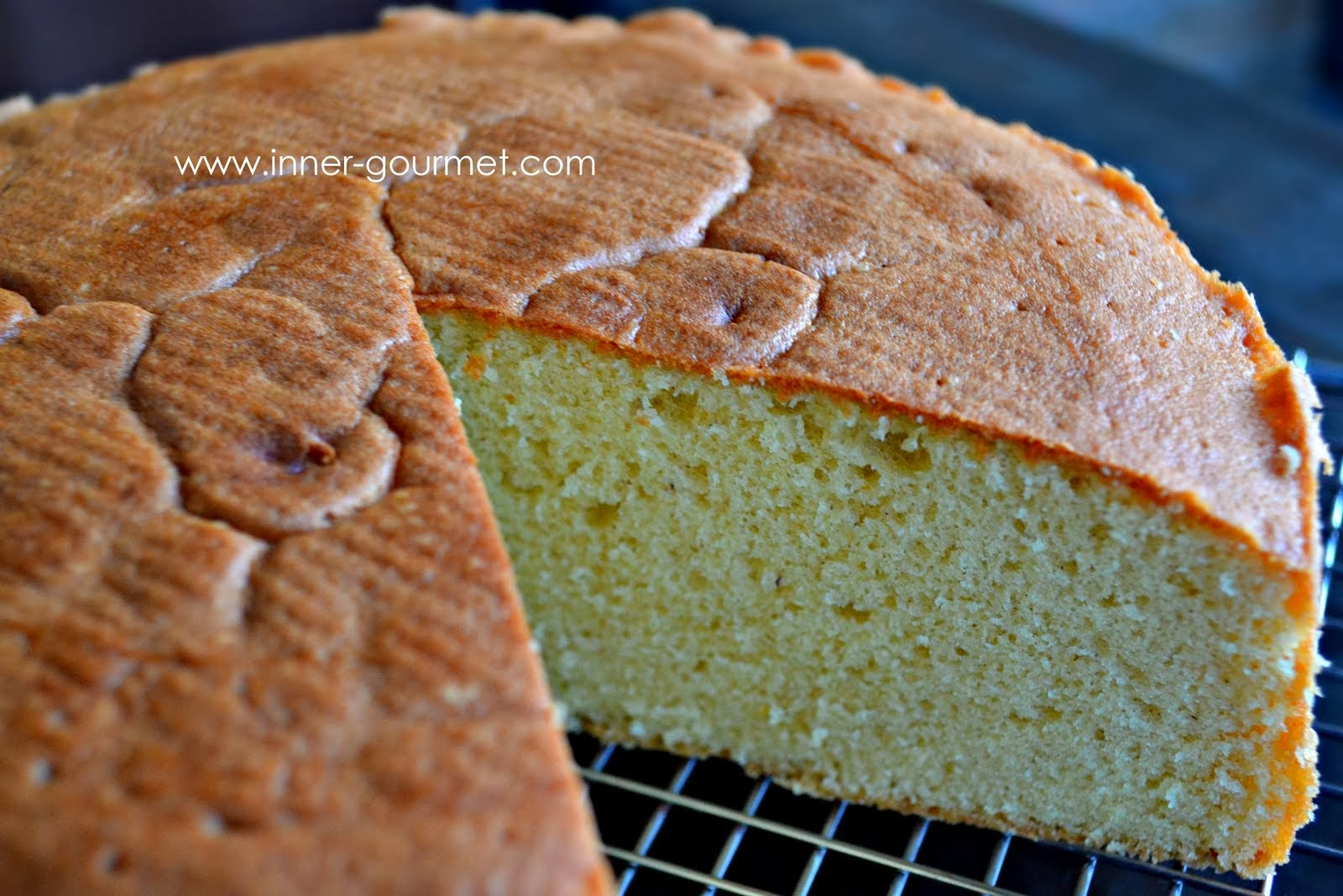 Cake Recipe Light And Fluffy: A Light And Fluffy Sponge Cake