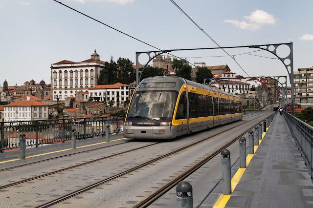 De metrô até o centro turístico do Porto