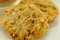 Nut Crakers Cookies Teman Pas Saat Ngeteh