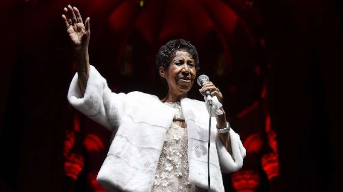 Aretha Franklin reportedly 'gravely ill,' surrounded by friends and family